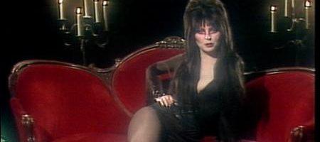 Una strega chiamata Elvira – Film Completo 1988